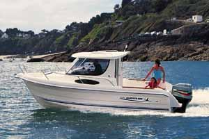2005 Quicksilver 635 Weekend