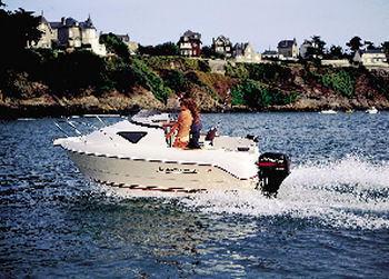 2005 Quicksilver 460 Cruiser